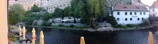 Hotel Dvorak: panorama of Moldau River and from room 102