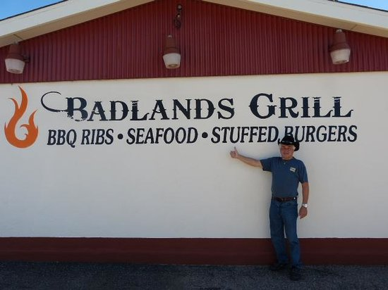 Badlands Grill : Outside view
