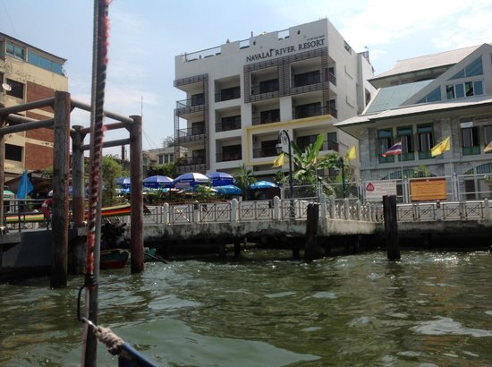 Navalai River Resort: hotel from the river