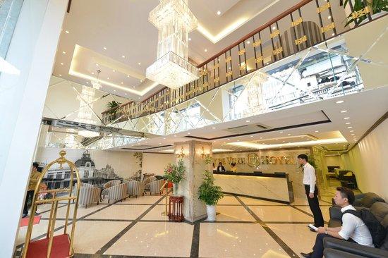May de Ville Old Quarter Hotel: Hotel Reception Area