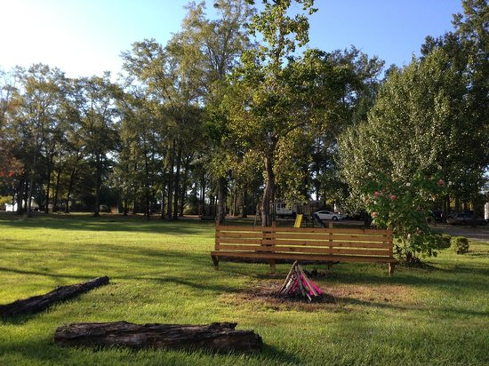 Florida Springs RV Resort and Campground : Play area