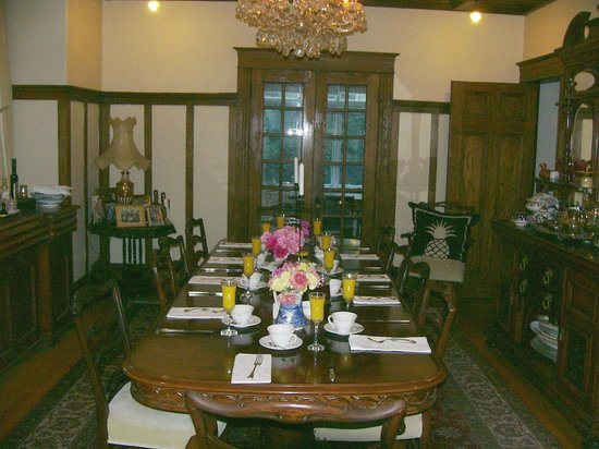 Ashbury House B&B: Dining Room-1