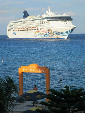 Barracuda: Every room has a Caribbean view!