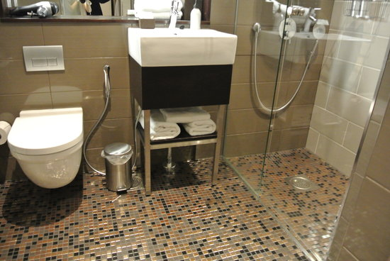 GLO Hotel Kluuvi Helsinki: バスルーム