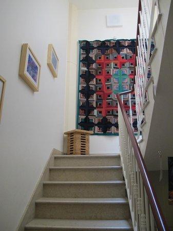 Evora Inn Chiado Design: Escada para os quartos