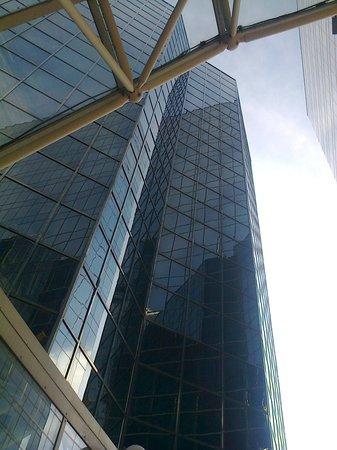 Ramada Plaza Antwerp: hotel gevel