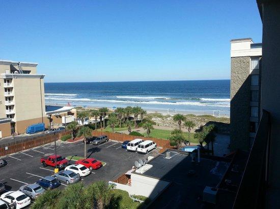 Hampton Inn Jacksonville Beach/Oceanfront: View from room balcony