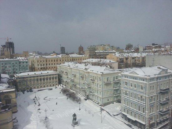 Mini-hotel Kiev downtown : Вид из окна во время аномального снегопада в марте 2013 года.