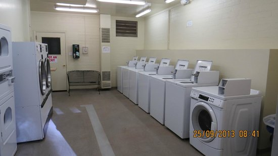 North Rim Campground: Very clean well maintained laundromat