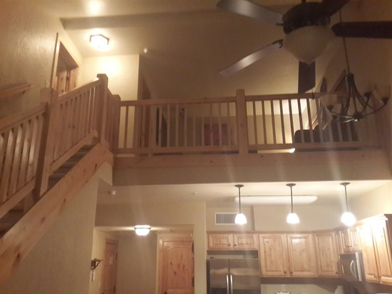 Silverado Lodge: Stairs up to the bedroom and upper lounge
