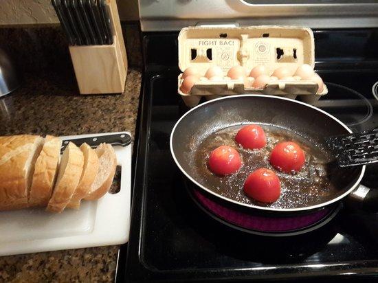 Silverado Lodge: In-room kitchen; great for making breakfast