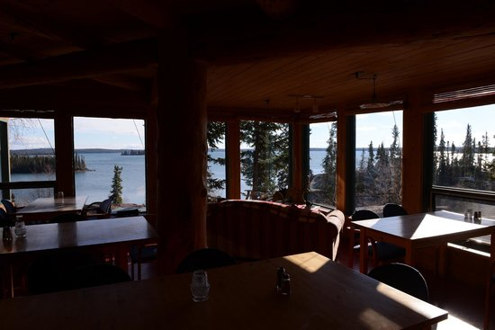 Blachford Lake Lodge: dining room