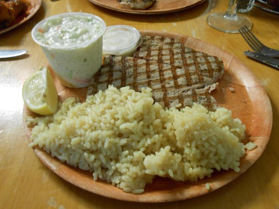 Fish Shack: Moist and lovely tuna. Very good cole slaw