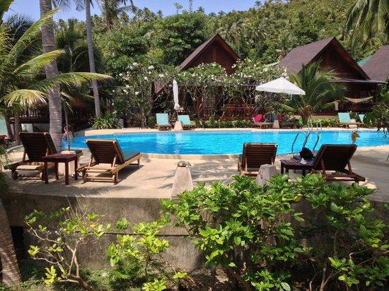 Green Papaya Resort : Vue de notre deluxe cottage bungalow qui donne aussi sur l'océan