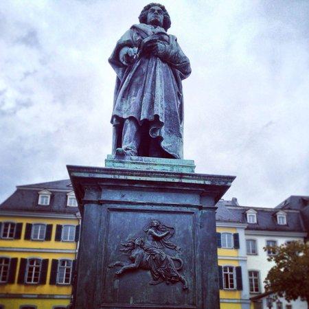 Beethoven-Denkmal: Statue if Beethoven