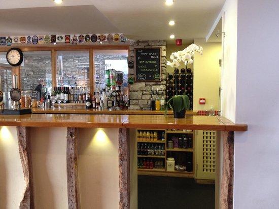 Burgundy's Wine Bar: Brewhouse bar