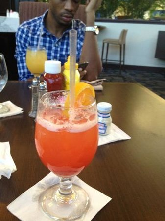 Embassy Suites by Hilton West Palm Beach Central: free drink  , rum and punch