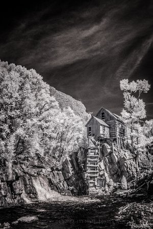 Beaver Lake Lodge & Cabins : Crystal Mill Infrared image