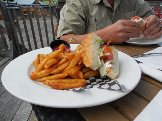 Cow Cafe - West Coast Grill: Crab BLT