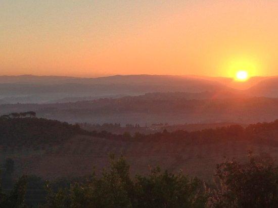 Chiesetta di Santo Pietro : Sunrise from our terrace at La Capanna