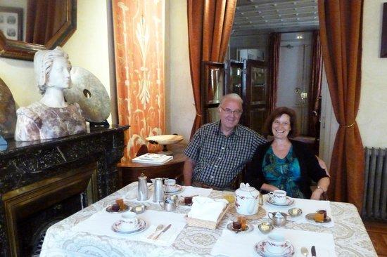 Casa de Madrid: breakfast in the salon