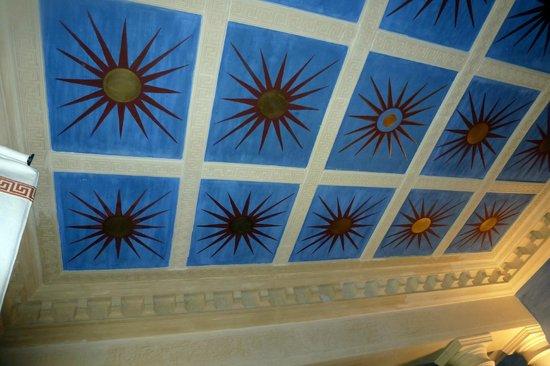 Casa de Madrid: ceiling of our room