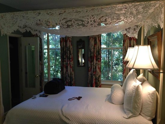Battery Carriage House Inn : Cozy room!