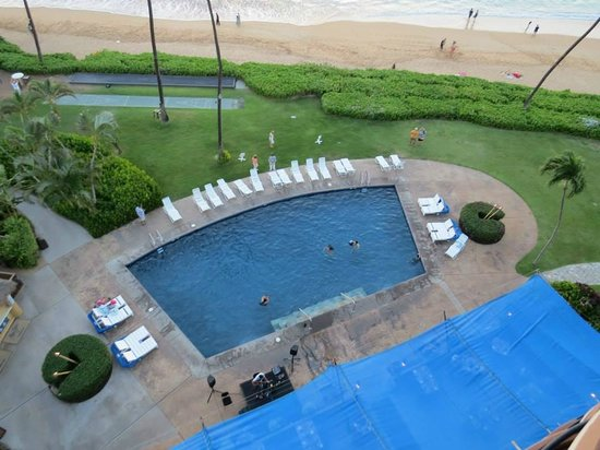 Royal Lahaina Resort: View of pool