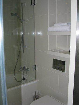 H10 London Waterloo: Salle de bain