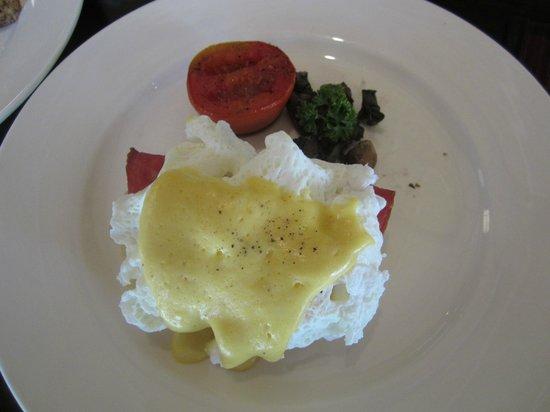 Tapis Restaurant: トラフルエッグ