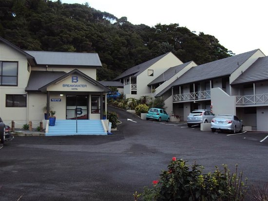 Breakwater Motel: Hotel entrance