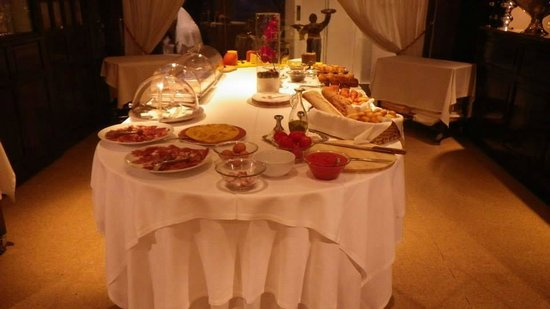 A Casa Canut Hotel Gastronomic : dejeuner