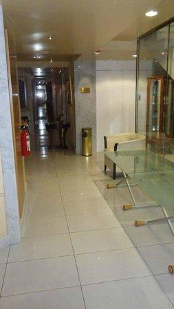 A Casa Canut Hotel Gastronomic : couloir