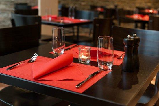 ToroToro Steakhouse: Tisch in der ToroToro Tapas Bar