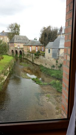Best Western Le Moulin De Ducey : Blick aus meinem Zimmer