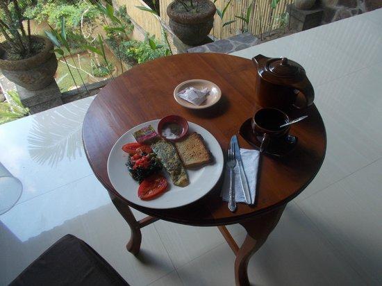 Latugu Homestay Ubud: Petit-Déj suite