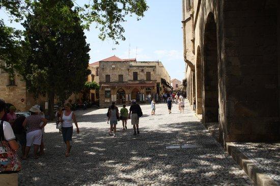 Vallian Village Hotel: Rhodes town