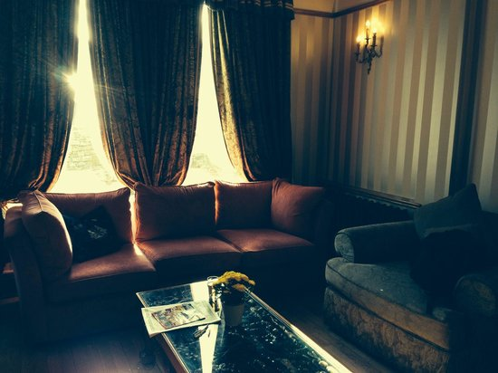 Jackson's Hotel: Lobby area