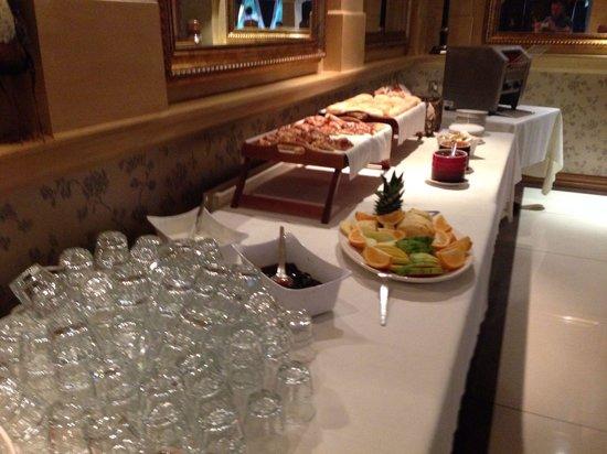 Jackson's Hotel: Breakfast
