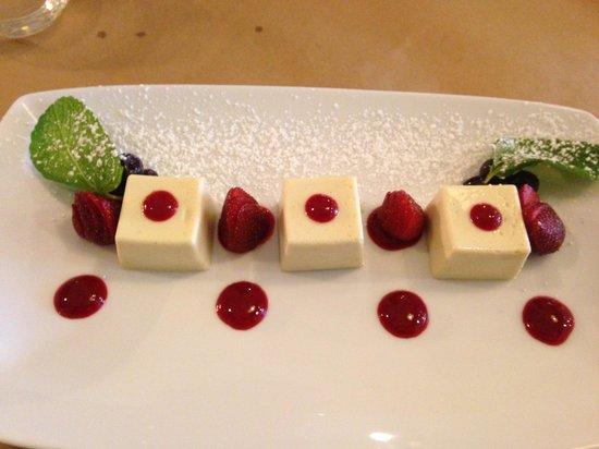 Cardone's Seafood & Grill: Pannacotta