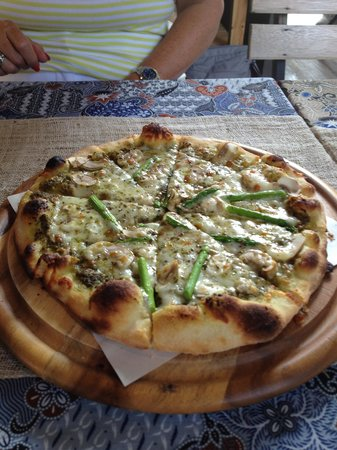 Street Pizza and The Wine Houzz: Asparagus & Mushroom Pizza