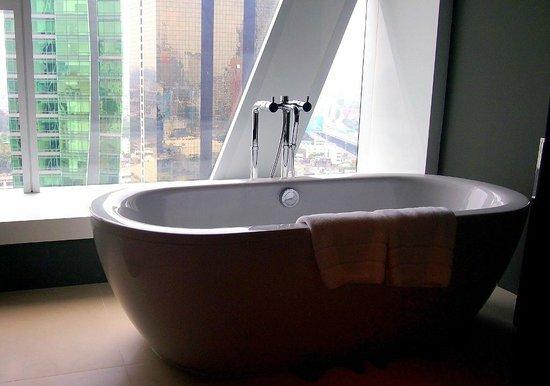 Mode Sathorn Hotel: The Standalone Bathtub
