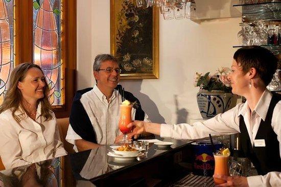 """Rest. Strandauster im Ringhotel Strandblick: Die Jugendstilbar im Restaurant """"Strandauster"""""""