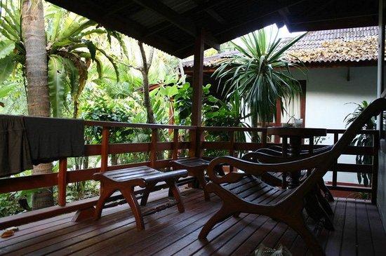 Chaweng Buri Resort: Terrasse Bungalow 114
