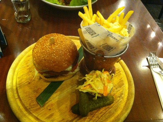 Southern 11: Veggie burger and chips.