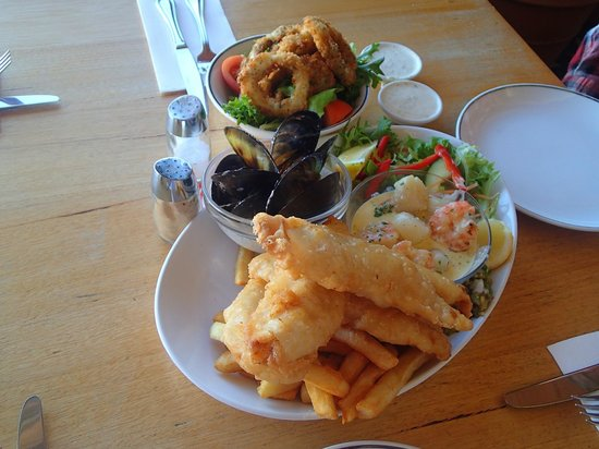 Fishermens Recreation Club: Seafood platter for 2