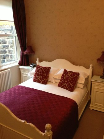 Shelbourne House: Our lovely room