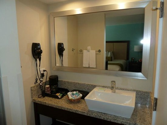Silver Palms Inn: bagno