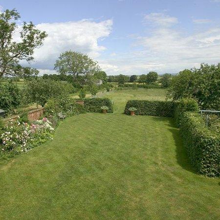 Stamford Hall Farmhouse: View across garden