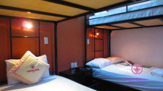 Tigon Blanc Hotel: Bed Decor